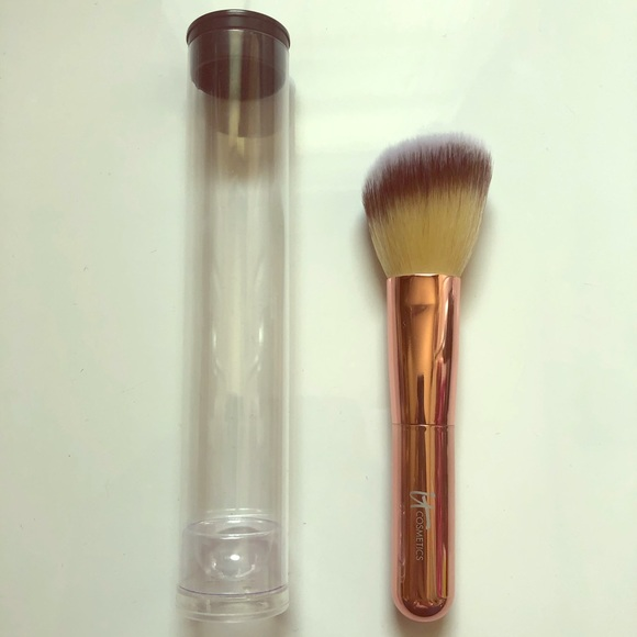 it cosmetics Other - It cosmetics brush